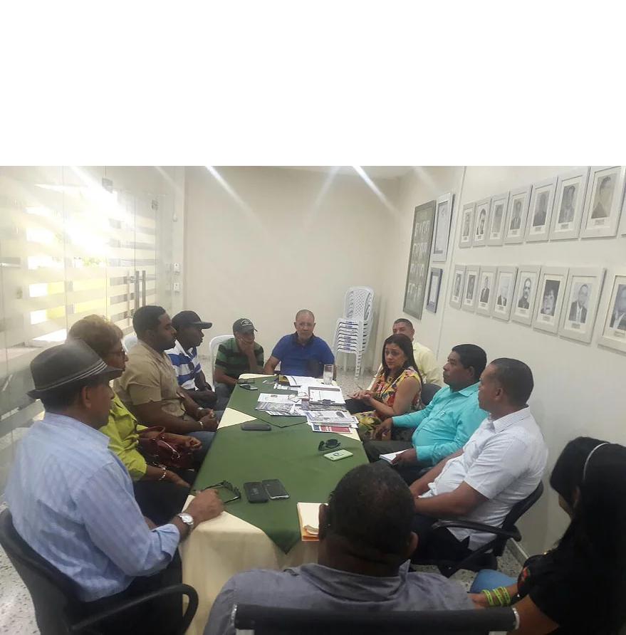 Consejo de desarrollo provincial encabezado por el alcalde Salvador Perez se reunión con el comité de apoyo de dicha entidad para coordinar actividades en conjunto.