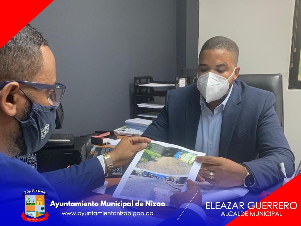 PRESIDENTE DE LA SALA CAPITULAR LENDY REYES VISITA VICEMINISTRO DE OBRAS PÚBLICAS.
