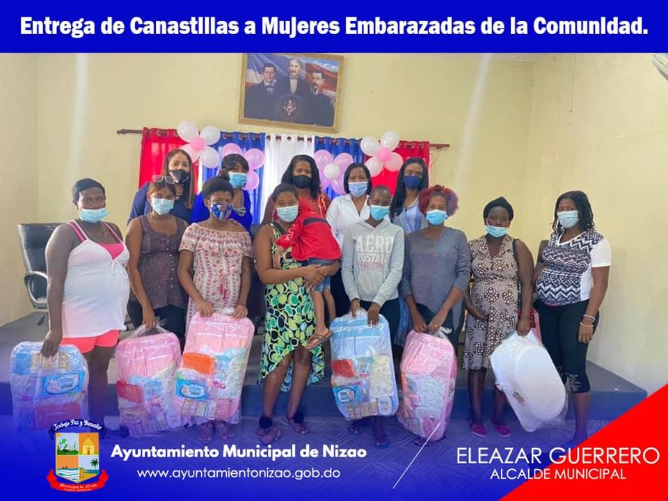 La mañana de hoy realizamos la entrega de canastillas a mujeres embarazadas de nuestra comunidad.